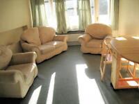 2 bedroom flat in Tunworth Crescent, Roehampton, SW1