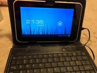 7in ANDROID TABLET WITH KEYBOARD AS NEW NEVER USED