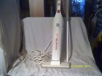 """LIGHTWEIGHT VACUUM CLEANER """" THE BISSELL WHIZZ """" a SUPER LITTLE CLEANER VERY LIGHT ++"""