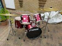 Sonor Force 505 5 piece drum kit in red wine.