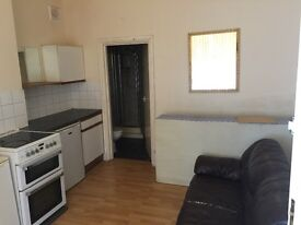 Studio flat to let in stechford B33 8AG £400