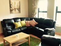 Recliner Black Corner Sofa Suite Excellent Condition