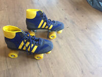 Retro Roler Boots in Blue and Yellow Size 7