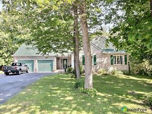 $439,900 - Bungalow for sale in Williamstown