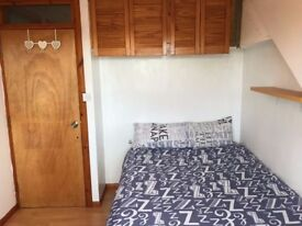 LOVELY DOUBLE ROOM - ALL BILLS INCLUDED.