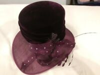 ladies hat size small