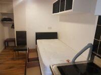 STUDIO FLAT/BEDSIT