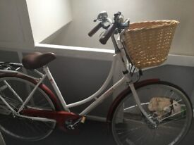 Trendy women,s basket bicycle excellent condition