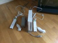 Nintendo Wii with two controllers and nun chucks (european plug)