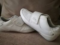 Lacoste white summer trainers size 9 only worn once cost £85