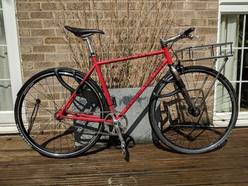 Fixed gear bike. Ratty frame, good quality components