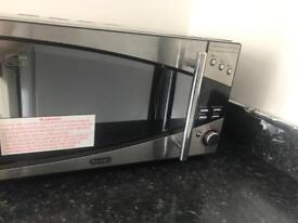 Microwave Delonghi with oven function
