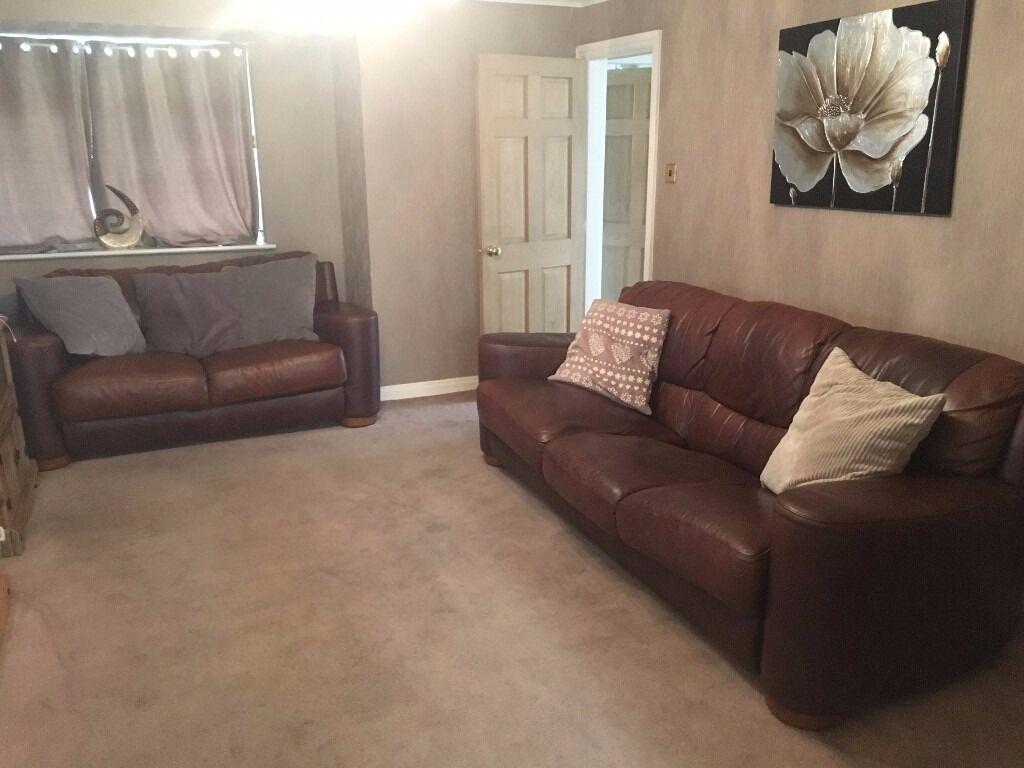 Sofitalia International Leather Sofa 2 And 3 Seater