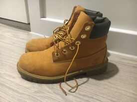 (used) Timberland Boots to sell size UK5.5