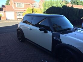 BMW Mini Cooper S - White - 1.6l Supercharged - Lady owner for 5 years (MOT'd 12 months)