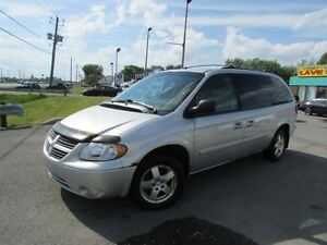 2006 Dodge Grand Caravan SXT 7 PASSAGERS A/C **TPS ET TRANSIT IN