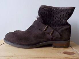 Real leather BRAND NEW ankle boots dark brown size 7UK