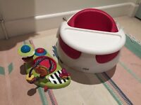 Mamas and Papas Red Baby Snug with Lime Activity Tray