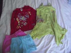 Bundle of girls clothes age 3-4 years *excellent condition*