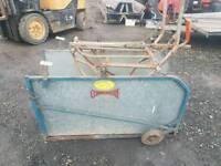 Commodore sheep turnover crate farm livestock tractor