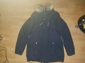 BENCH. Nomen. Parka jacket. Size, large.