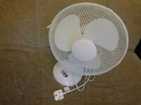 Generic Electrical 3-Speed Oscillating Desk Top Fan, 12-Inch, White