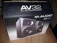 M Audio AV32 Monitors
