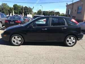 2005 Ford Focus ZX5 SES LEATHER / SUNROOF Kitchener / Waterloo Kitchener Area image 3