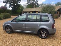 Volkswagen touran new shape 7 seater free 6 months warranty
