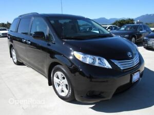 2014 Toyota Sienna 5dr 7-Pass NO ACCIDENTS
