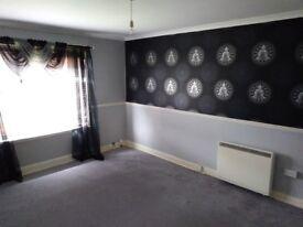 Unfurnished 2/3 Bed flat, Menzieshill