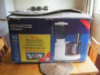 Kenwood Gourmet FP700 food processor + attachments