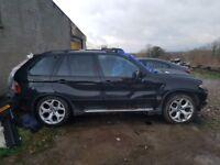Breaking 2005 BMW X5