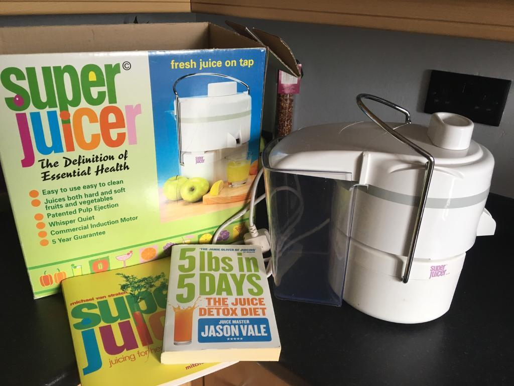 Juicer and juicing books