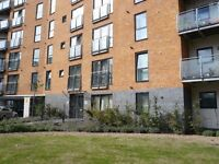 2bed / 1st floor / gateway apartment with balcony / available now / 0208 514 5737