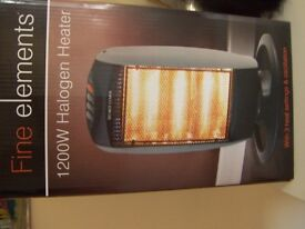 1200 w Halogen heater. 3 heat settings and oscillation. Still boxed