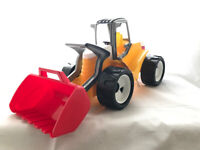 NEW LENA Large Sit n Ride Outdoor Construction Toy Powerful Earth Mover/Tractor Sturdy Giant Shovel