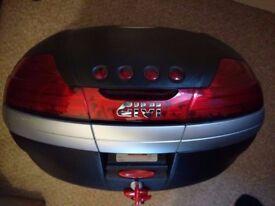 Givi topbox 46L