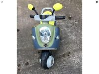 Battery operated scooter Excellent condition used 3 times