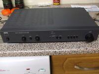 HIFI AMP ... NAD 310 SEPARATE ....