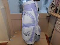 BRAND-NEW, LADIES. LYNX, CART / CARRY BAG, WHITE / LAVENDER in colour