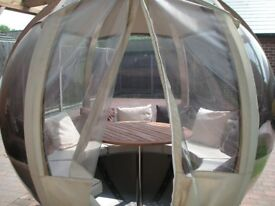 ROTATING GARDEN POD SPHERE WITH SEATS