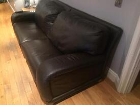 4 & 2 x Seater brown leather suite