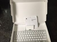 I-pad docking station/ keyboard