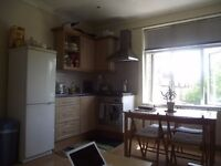 **** A LARGE BEDROOM FLAT IN HEART OF EALING*****