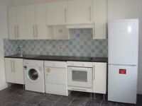 Spacious furnished 1 Bedroom flat in great location. All mod cons. Separate shower room