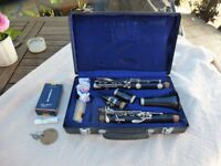 Crampon Buffet B12 Clarinet, hard lockable case, box of 10 Vandoren 2 reeds. Very good condition