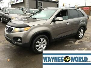2013 Kia Sorento LX **HEATED SEATS**