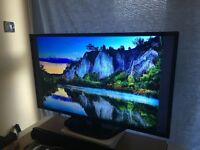 "LG 42"" Full HD TV for sale - great condition, boxed"