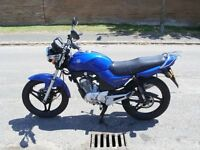 Blu Yahama YBR 125, fully MoTed and serviced. New back tire, great learner bike and for commuting on